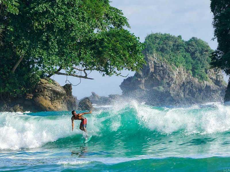 3 4 - Berikut Ini Alasan Wajib Untuk Eksplor Pantai Wedi Putih, Hidden Paradise!