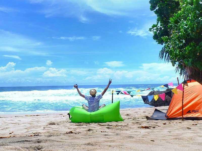 1 14 - Pantai Cantik di Malang ini Juga Cocok untuk Kemping!