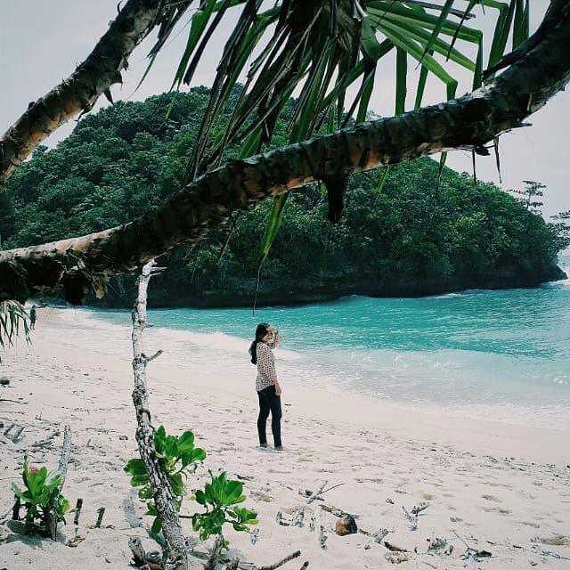 Pantai Sendiki Malang: 7 Pantai Surganya Foto Instagramable Di Malang Raya